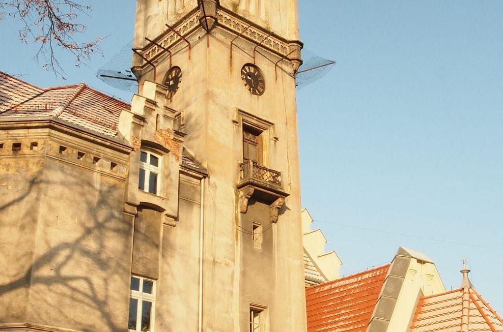 Rusza remont wieży pałacu w Nakle Śl.