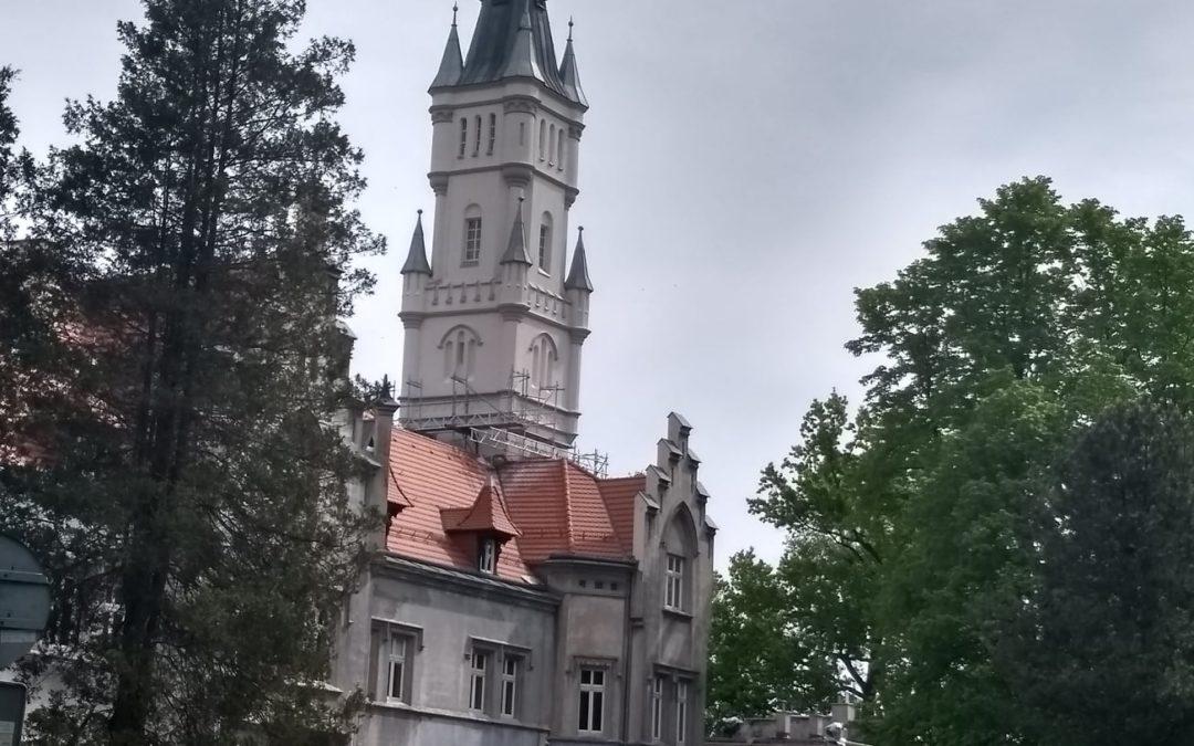 Remont wieży pałacu w Nakle Śl. na finiszu!