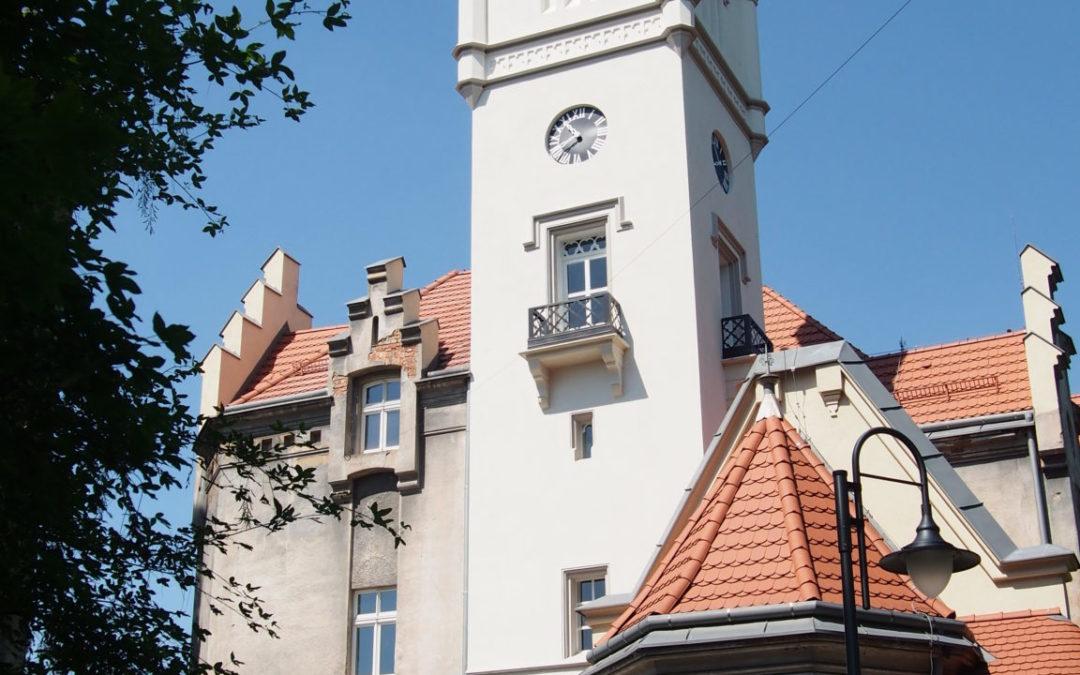 Wieża pałacu w Nakle Śląskim jak nowa!