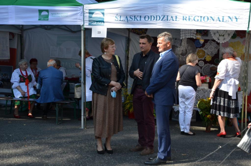 starosta Krystyna Kosmala rozmawia z wójtami
